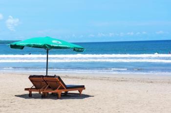 plage de sable blanc pour un voyage de noce à Bali